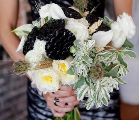 wedding-black-flower